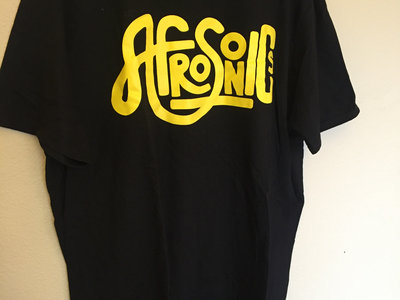 black-t-yellow-logo-5